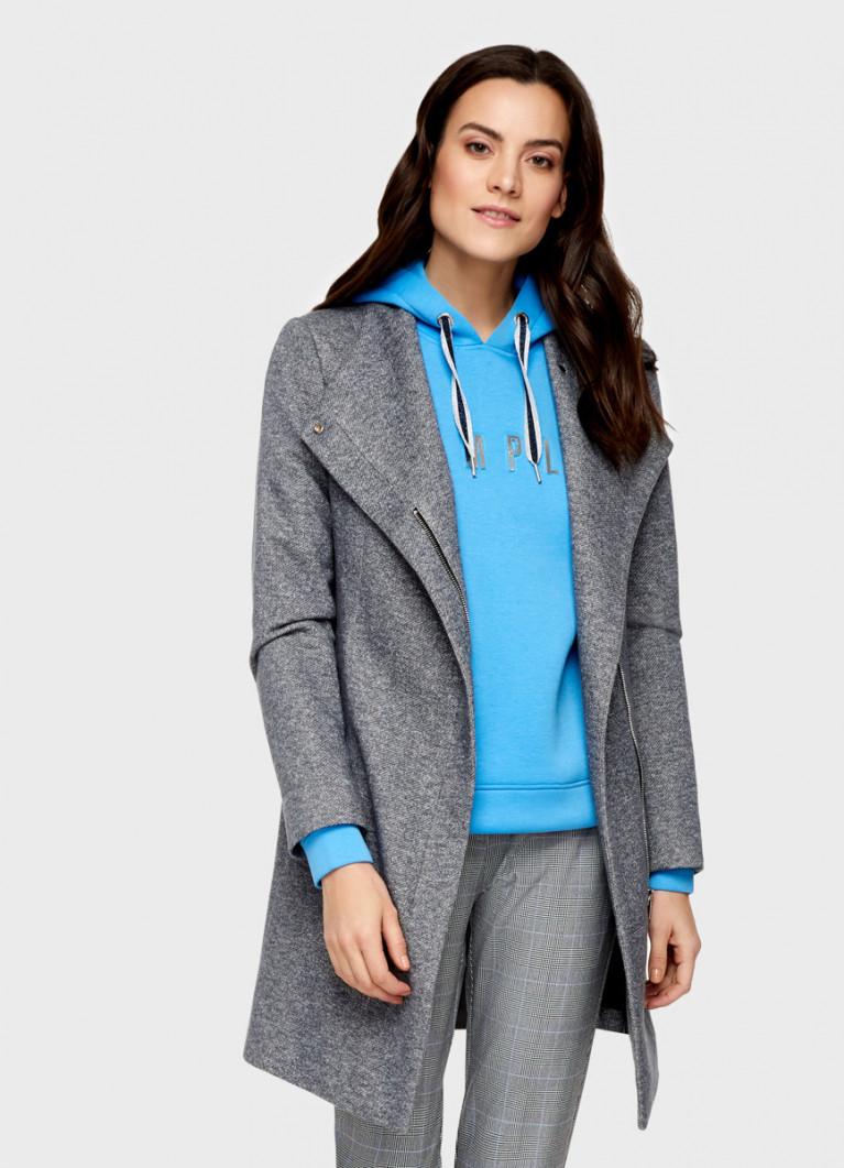 Лёгкое пальто с поясом
