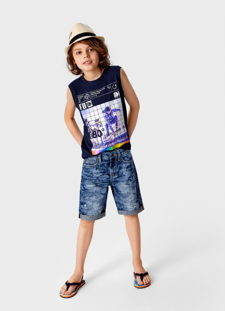 Джинсовые шорты c камуфляжным принтом