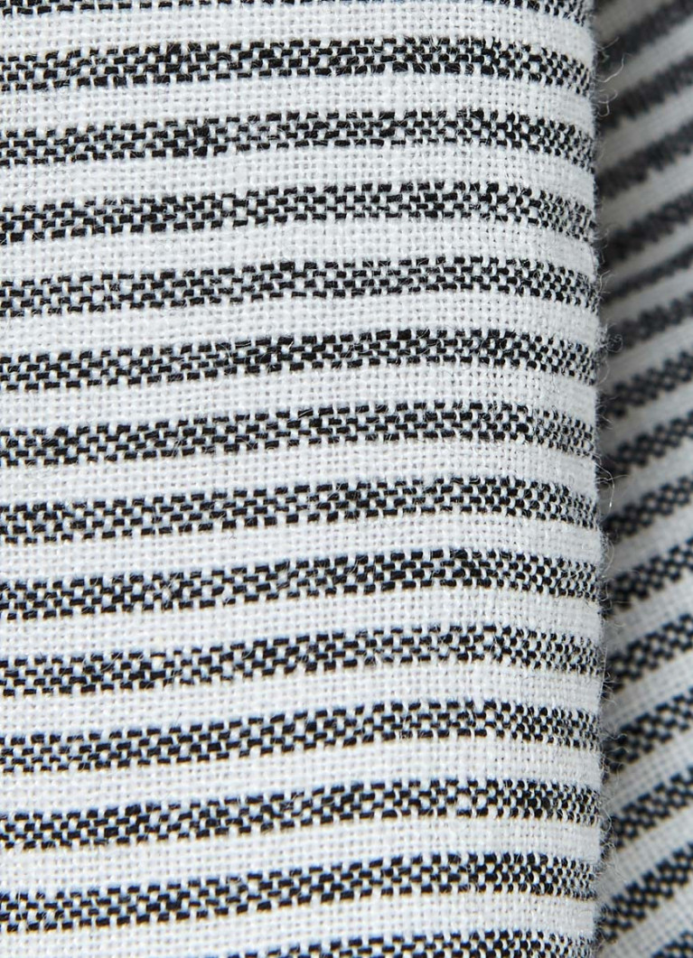 Льняные шорты в полоску