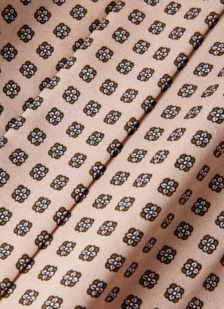 Сатиновая блузка в микропринт