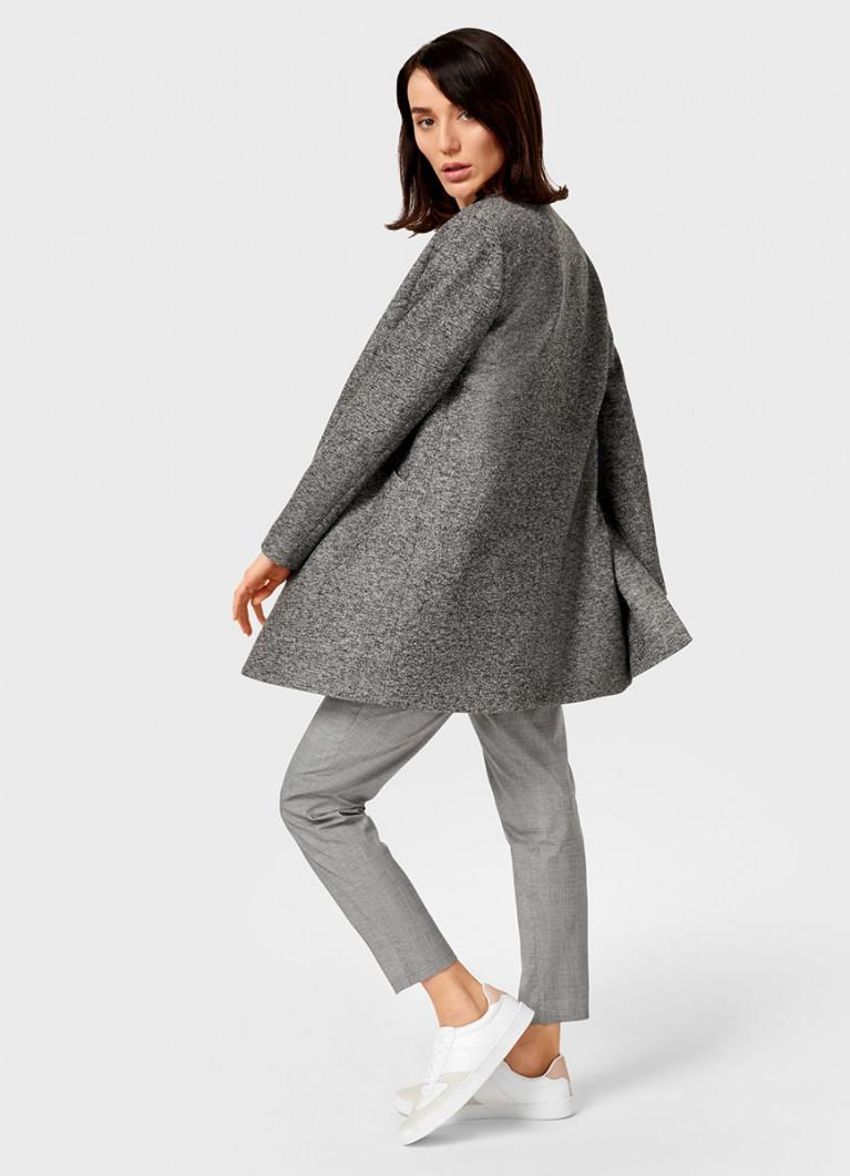 Трикотажное пальто с английским воротником
