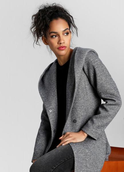 Пальто с поясом из кроёного трикотажа фото
