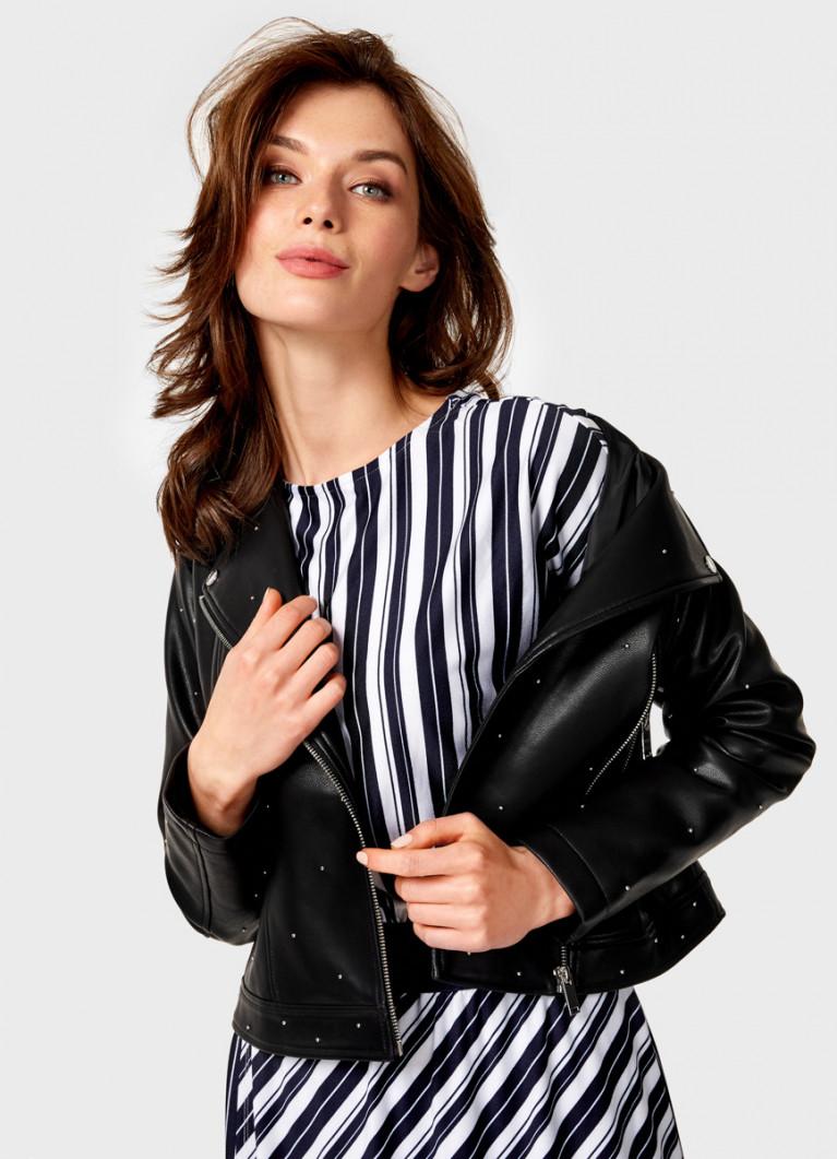 Байкерская куртка с клёпками