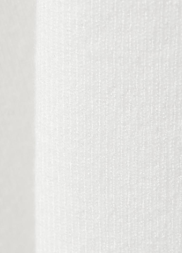 Джемпер плотной вязки