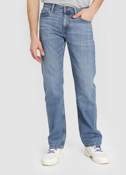 Свободные джинсы с умеренной стиркой