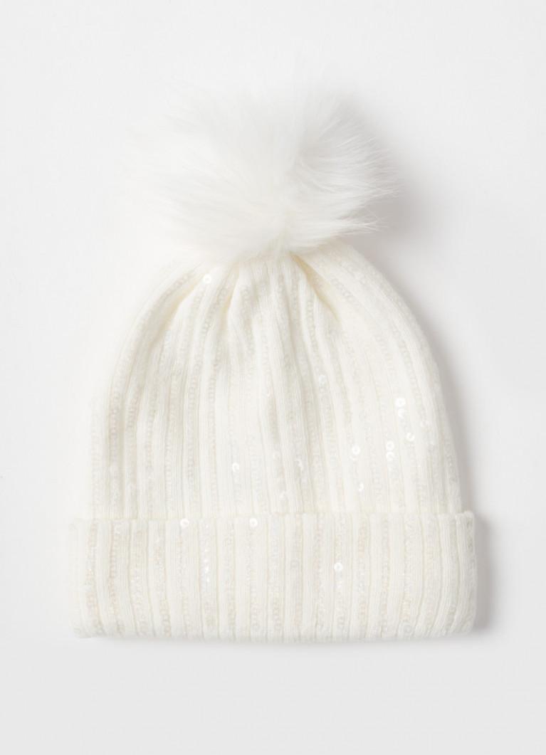 Вязаная шапка для девочек