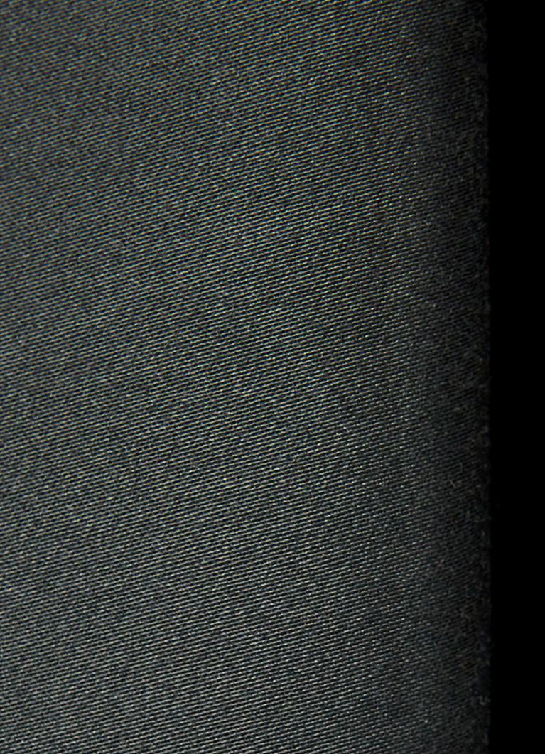 Брюки-чиносы с кожаным поясом