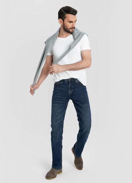 Комфортные свободные джинсы