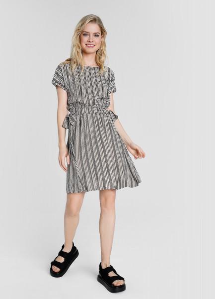 Принтованное платье с эластичным поясом