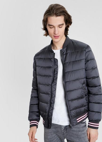 Ультралёгкая куртка-бомбер