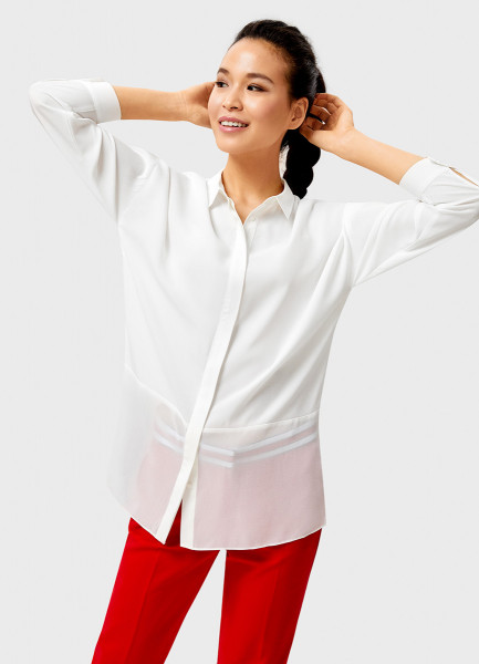 Белая рубашка с шифоновой вставкой