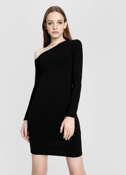 Асимметричное платье в рубчик фото