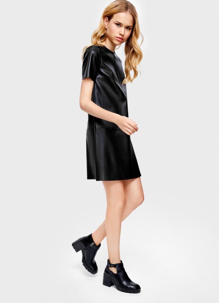 Платье из искусственной кожи