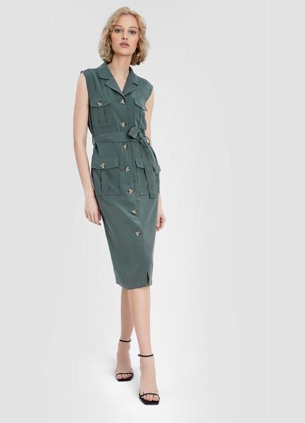 Платье в стиле сафари с накладными карманами