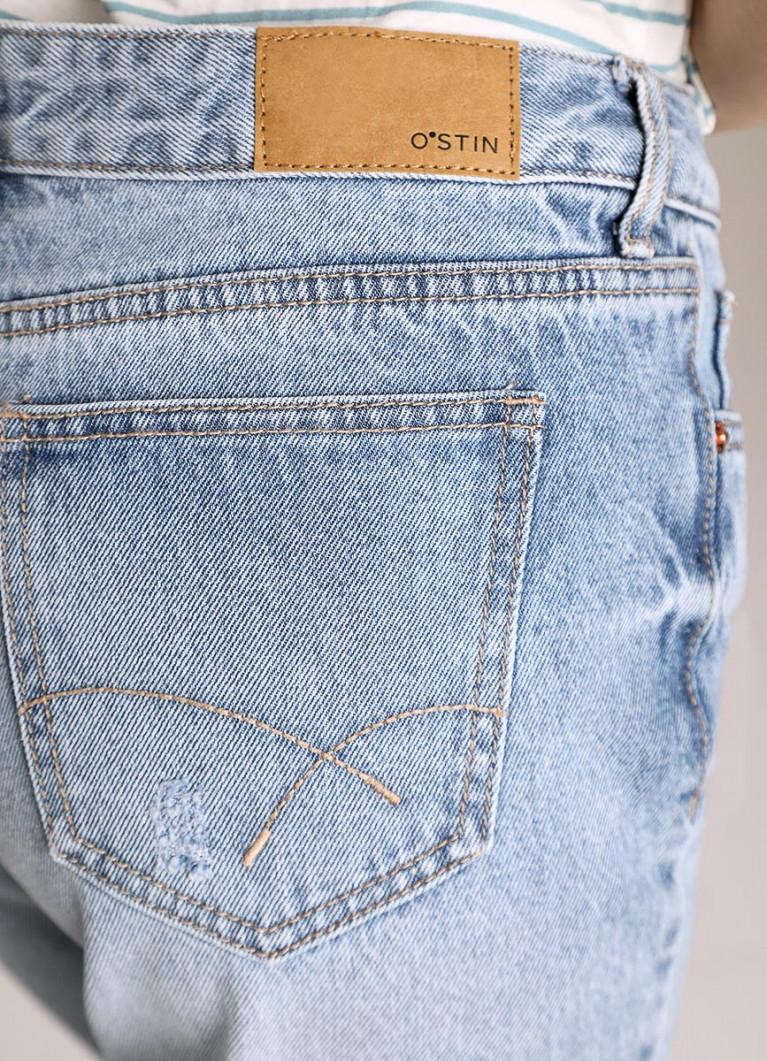 Женские джинсы O'Stin Джинсы Boyfriend с разрывами