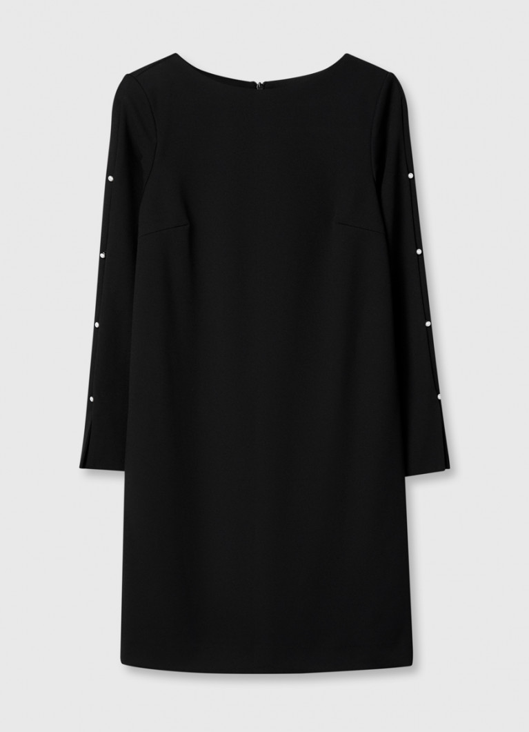 Платье с декором из жемчуга