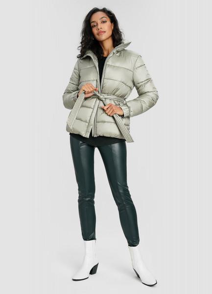 Утеплённая куртка с поясом