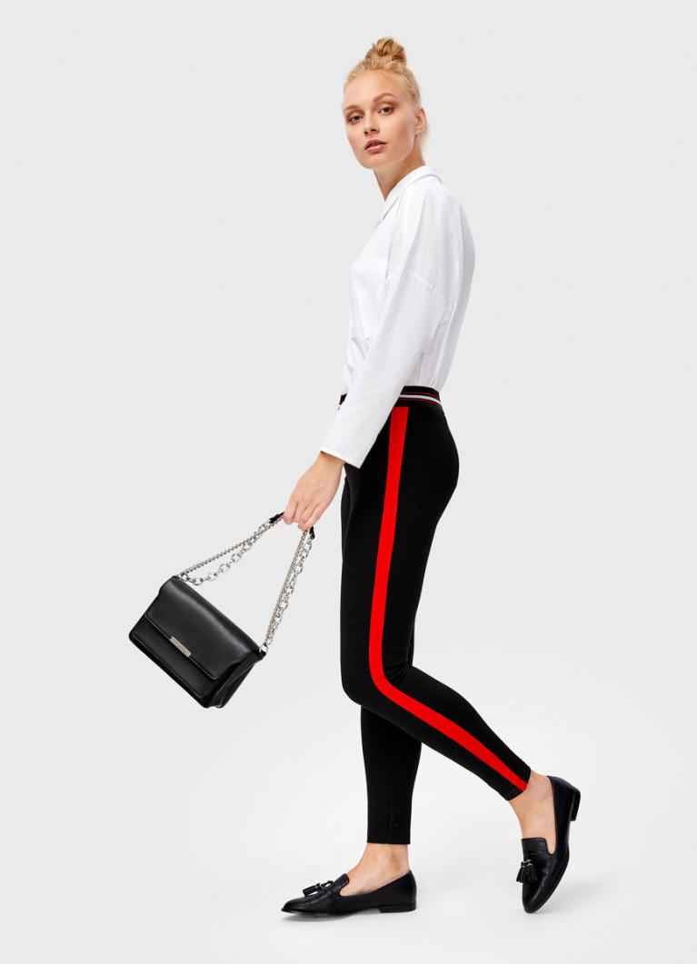 Трикотажные брюки с лампасами