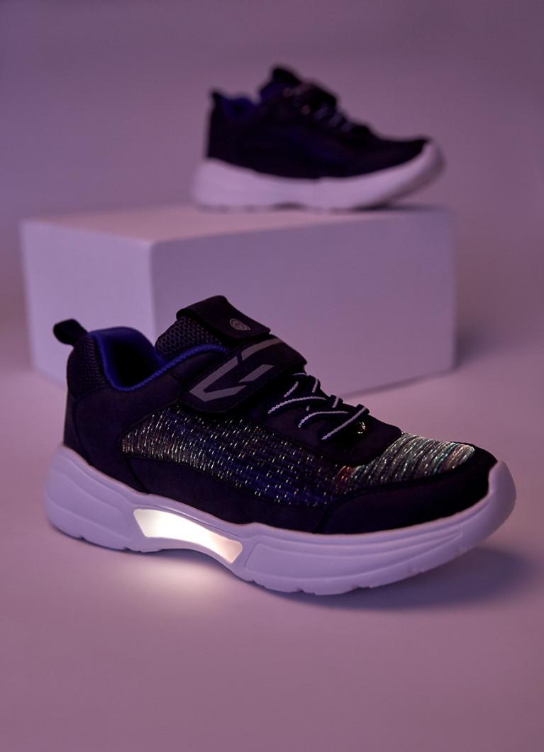 Светящиеся кроссовки для мальчиков