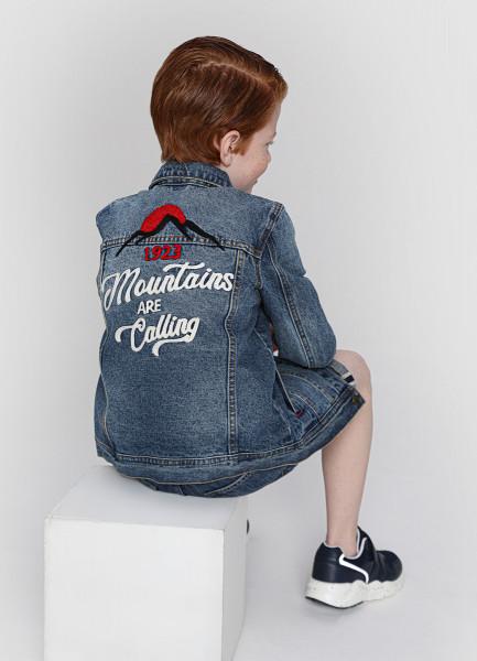 Джинсовая куртка c вышивкой на спине для мальчиков фото