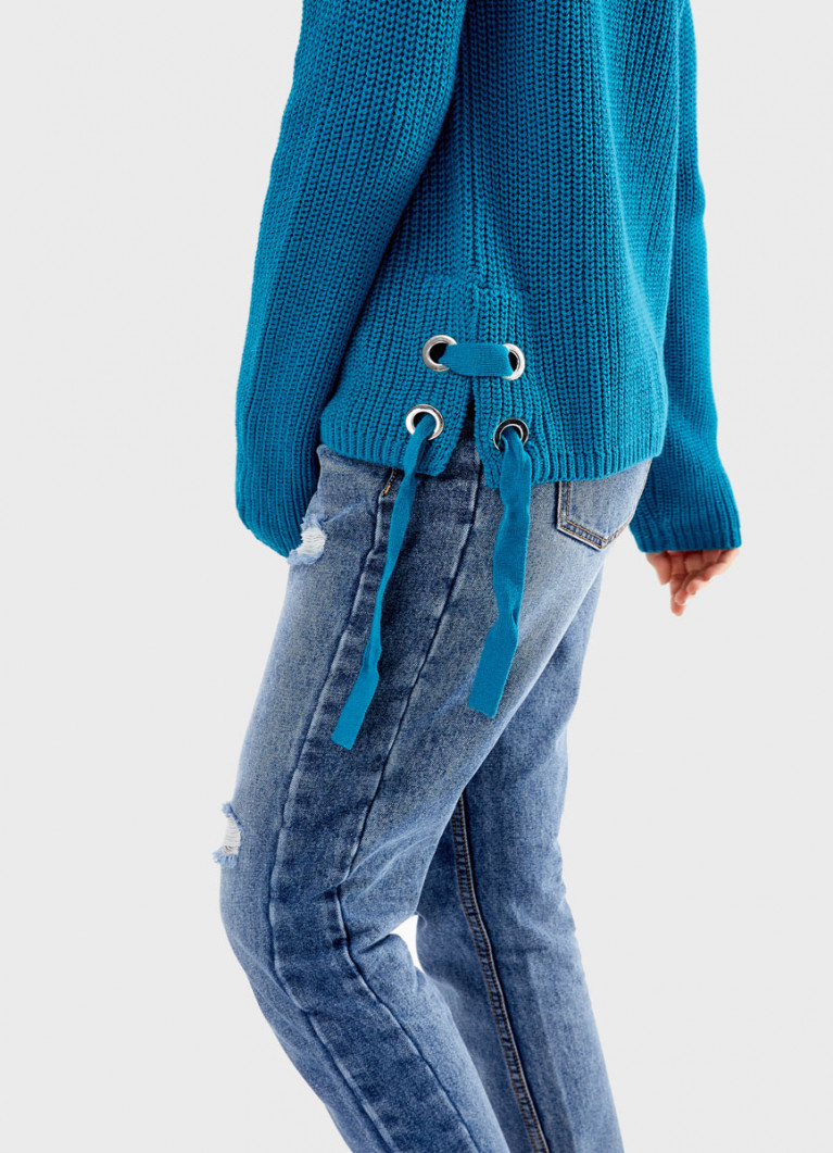 Джемпер со шнуровкой