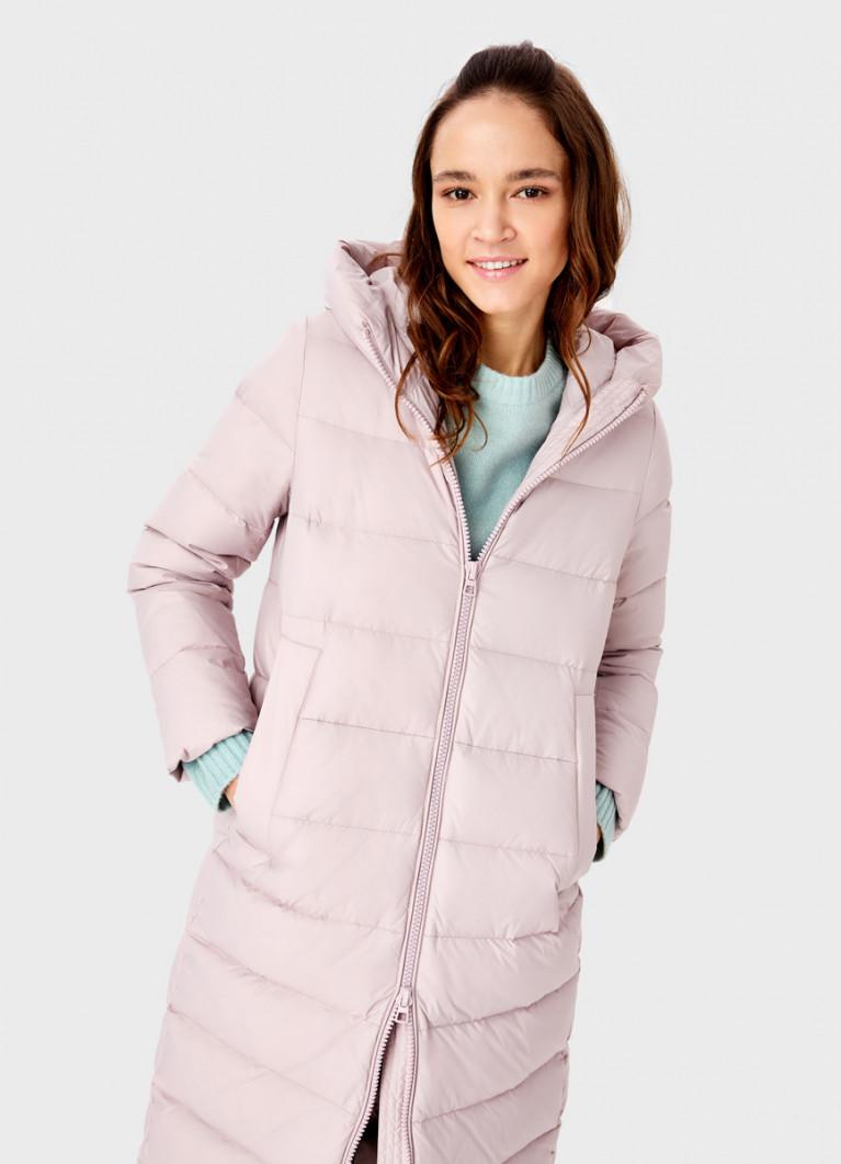 Пуховое пальто с горизонтальной стёжкой