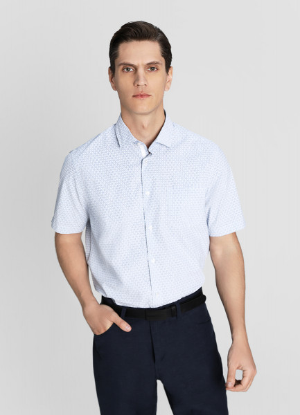 Рубашка из принтованной ткани фото