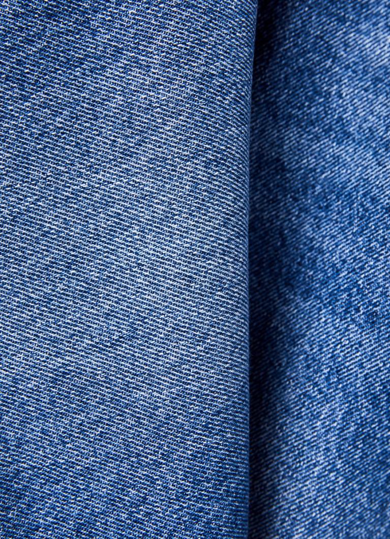 Прямые джинсы с высокой посадкой и шнурком на поясе