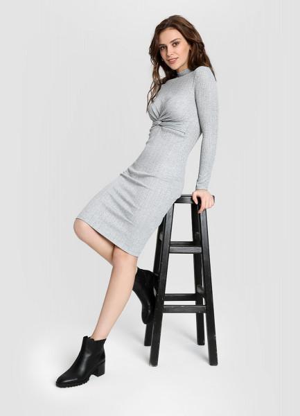 Трикотажное платье в рубчик с люрексом фото