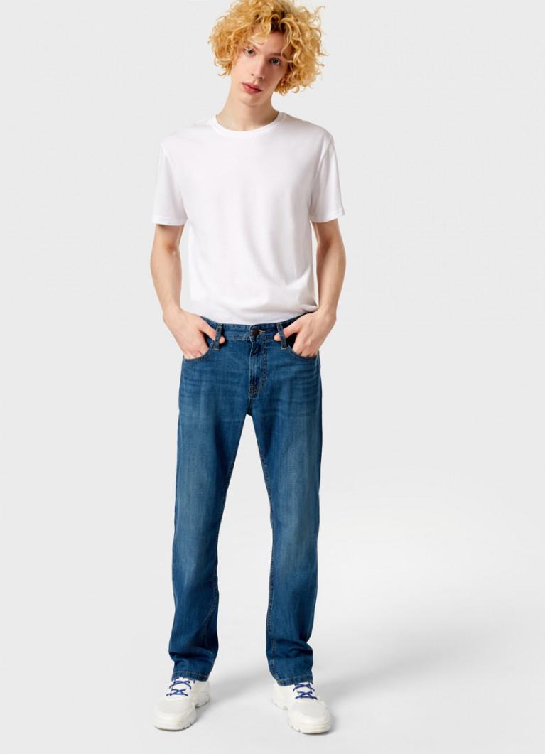 Прямые джинсы из облегчённого денима