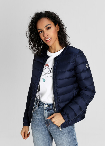 Ультралёгкая куртка с горизонтальной стёжкой фото