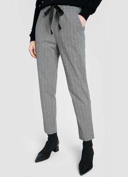 Трикотажные брюки свободного силуэта
