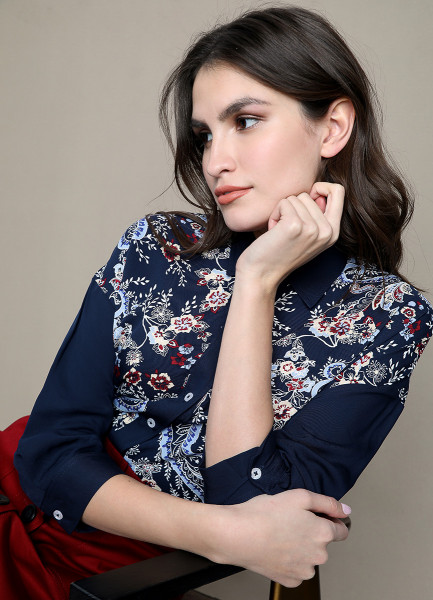 Блузка из модала с платочным принтом фото