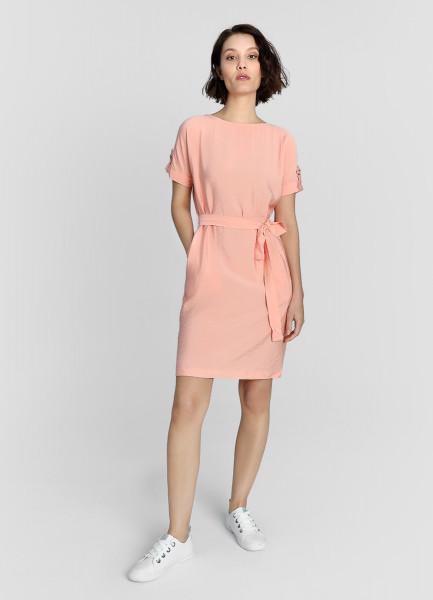 Платье прямого силуэта из структурной ткани фото