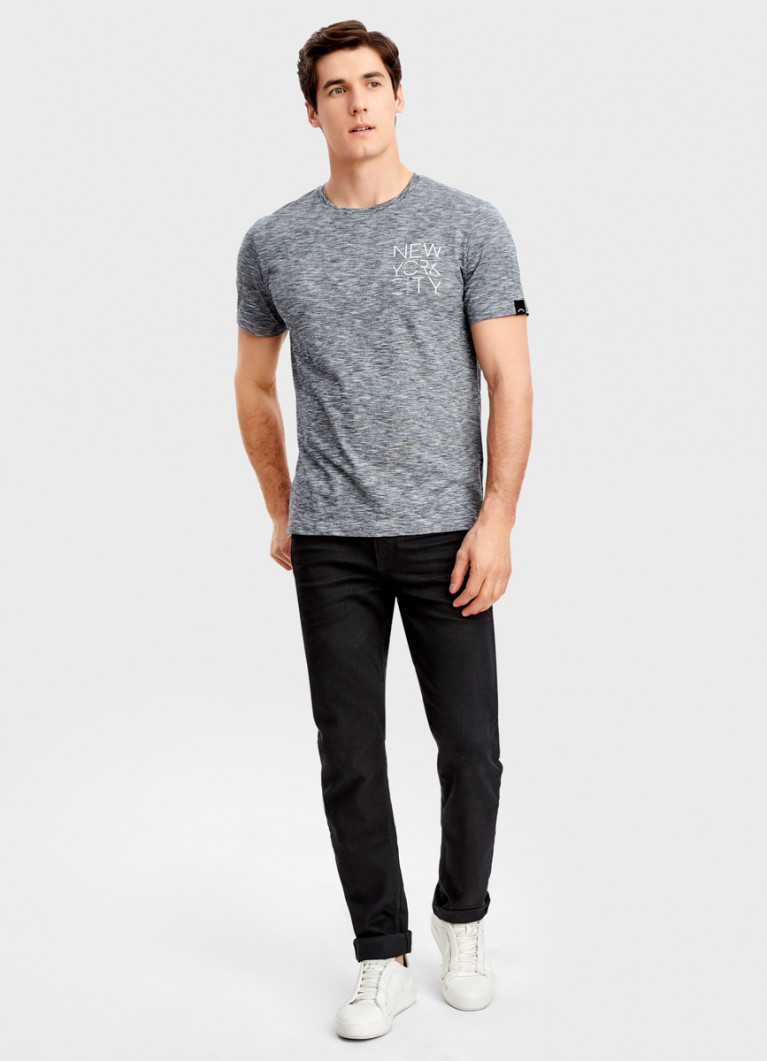 Чёрные зауженные джинсы