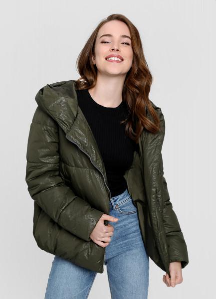 Утеплённая куртка с капюшоном фото
