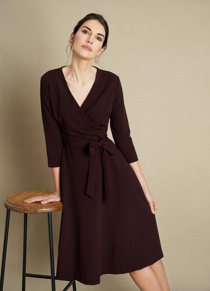 Трикотажное платье на запах