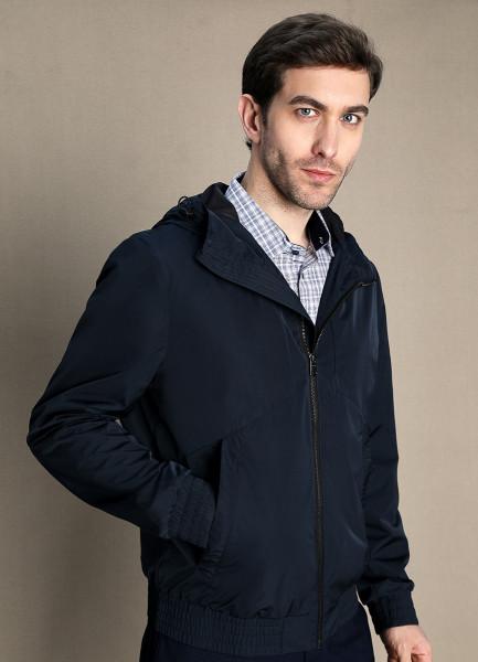 Куртка с капюшоном фото