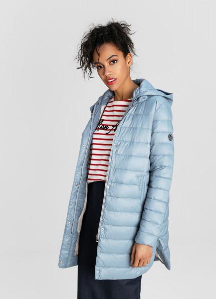 Трапециевидная ультралёгкая куртка с капюшоном фото