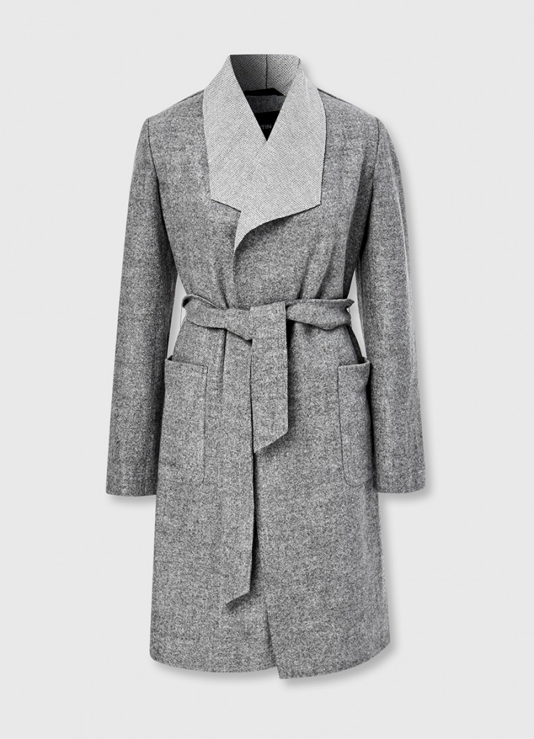 Лёгкое пальто с отложным воротником