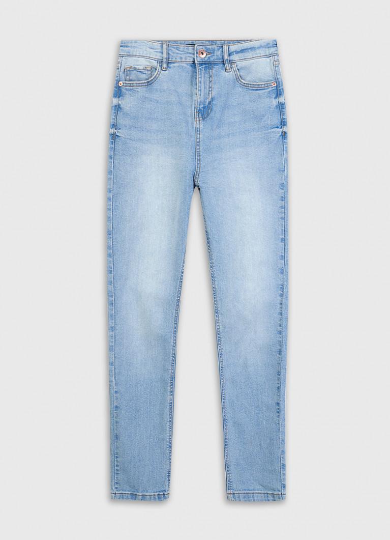 Зауженные джинсы с высокой посадкой