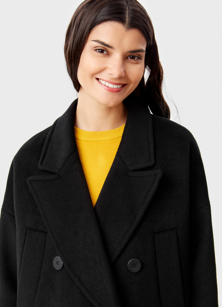 Свободное пальто с английским воротником