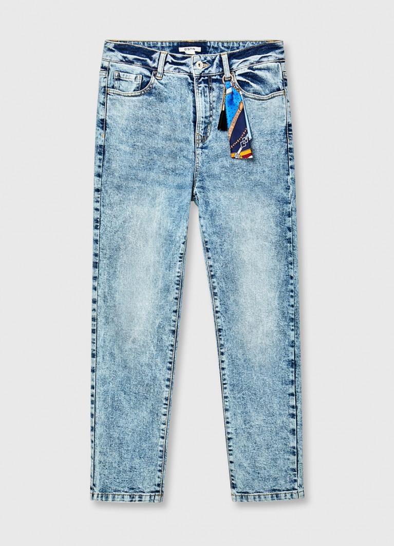 Прямые джинсы с завышенной талией