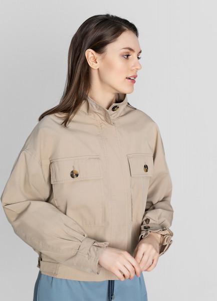 Куртка с большими накладными карманами фото