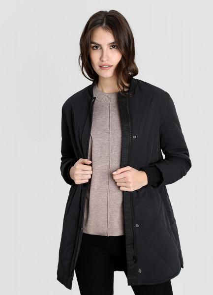 Лёгкое пальто с ромбовидной стёжкой фото