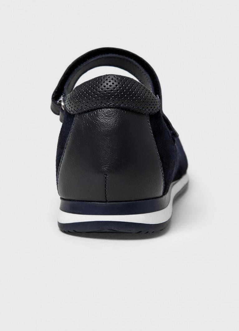 Кожаные туфли для девочек