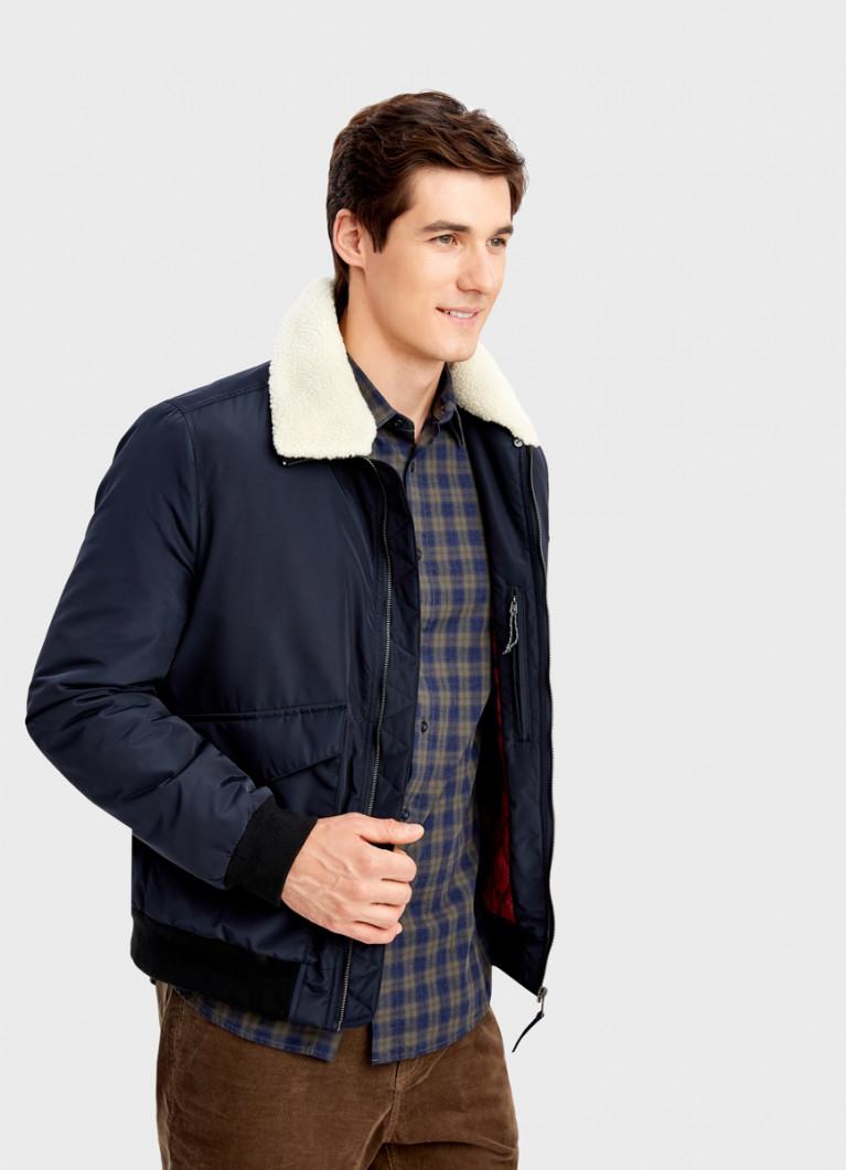 Куртка-бомбер с меховым воротником