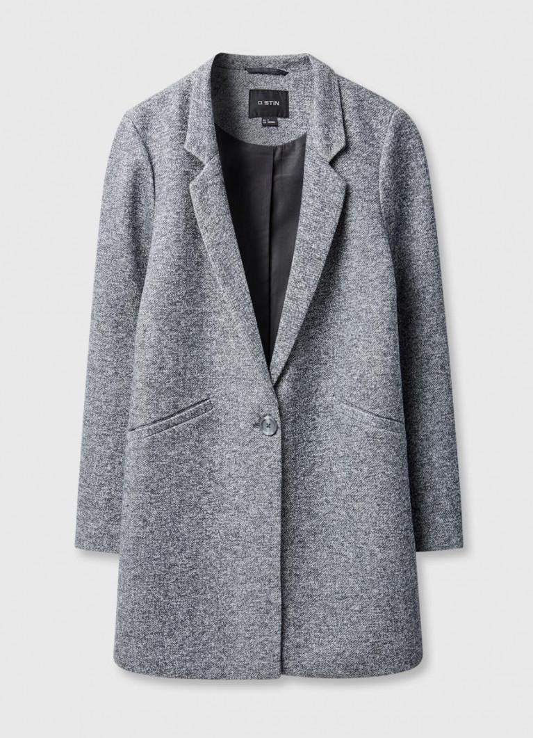 Прямое пальто с английским воротником