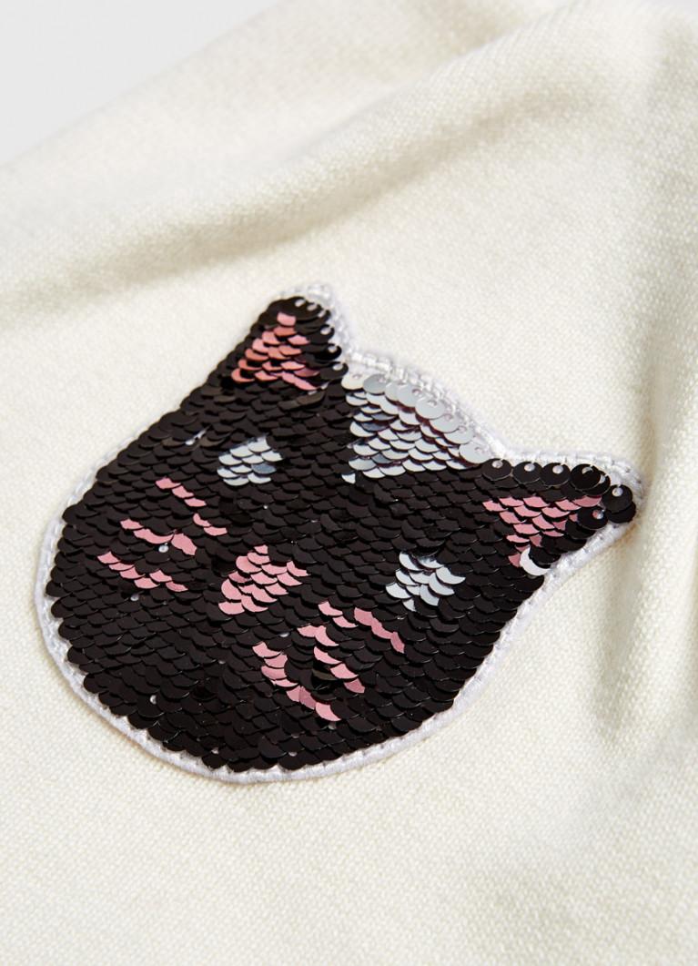 Шапка с вышивкой для девочек