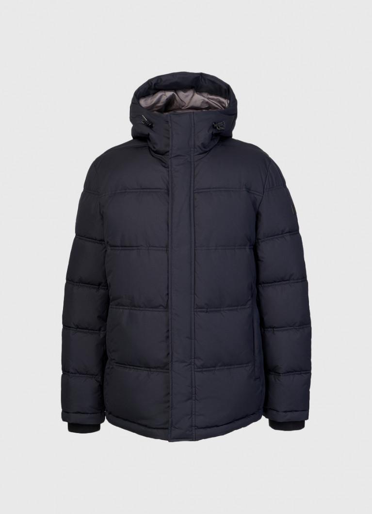 Базовая куртка с капюшоном на объёмном утеплителе